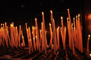 candles-826401_1920