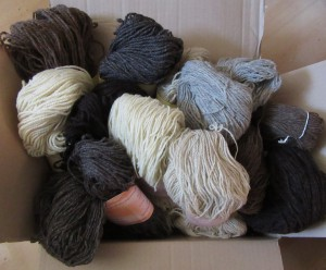naturfarbene Wolle